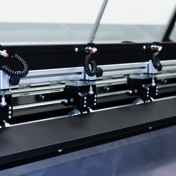 xy-matic-trim-plus-8-1087x874-chatel-reprographie-plieuse-coupeuse-scanner-plans-a0